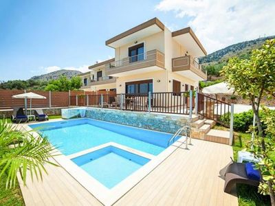 Photo for Terraced house, Georgioupolis  in Kreta - 10 persons, 4 bedrooms