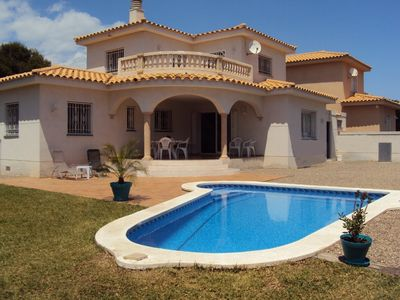 Photo for Comfortable villa, private pool, sandy beach at 400m