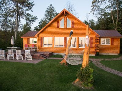 Photo for Charming Lakefront Log Cottage, With 4 Star Furnishings, 15 min. N of Mighty Mac