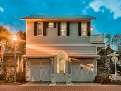 Photo for Steps to the Lagoon Pool - 2 Bikes - Charming Carriage house in Seacrest - `Coastal Comfort`