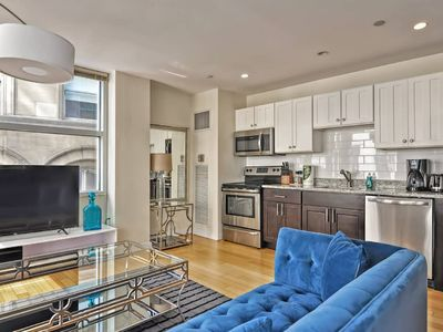 Photo for Evonify Corporate   Theatre District   Luxury 2BR 2S05