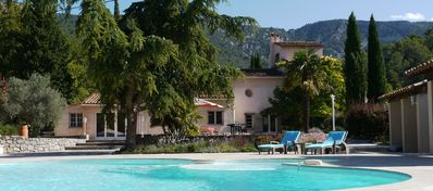 Photo for Quiet villa in large area of nature, with swimming pool and private tennis