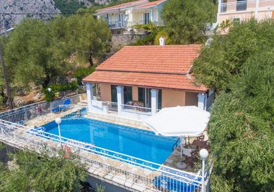 Beautiful Villa with Private Pool, Terrace and Panoramic Views