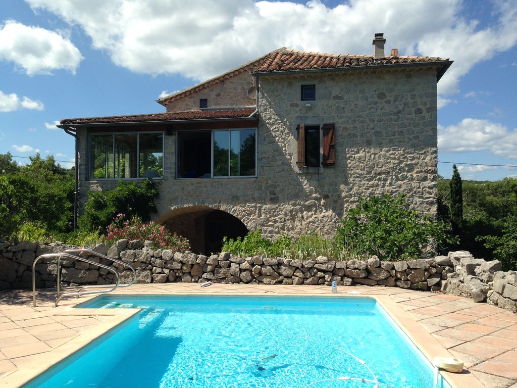 Labeaume maison caract re ind pendante tr s grand jardin for Ardeche location vacances avec piscine