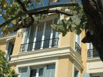Belle Epoque Villa: large and quiet apartment, by the sea, close to Vieux-Nice