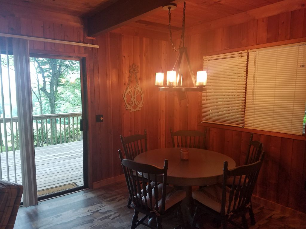 Property Image#10 Wolf Laurel CC Golf Front Cabin With STUNNING VIEWS!