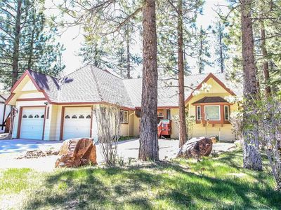 Photo for A Jack and Tens Resort: 4 BR / 4 BA home in Big Bear Lake, Sleeps 16