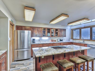 Photo for Beautifully remodeled kitchen Ski In/Ski Out 2 Bed/3 Bath Iron Horse Resort