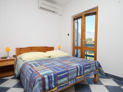 Photo for Studio flat with balcony Sućuraj, Hvar (AS-6852-h)