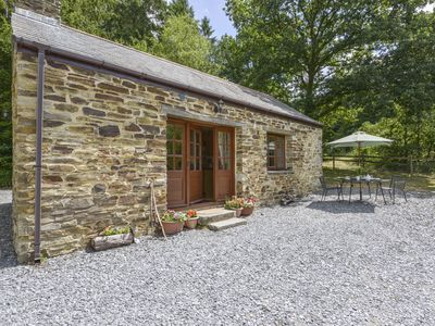 Photo for MINERS DRY, pet friendly, with open fire in Gulworthy, Ref 976087