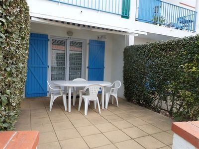 Photo for Apartment on the ground floor of a residence 100 m from the sea