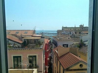 Photo for Appartamento Rosso di Sera B: A graceful apartment located in the historic center of Salerno, with Free WI-FI.