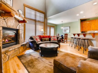 Photo for Beautiful mountain condo w/ huge shared pool, hot tubs & fitness center