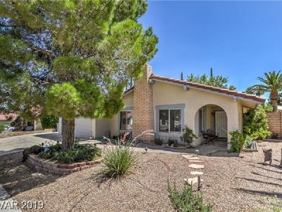New!! Boca Park in Summerlin, Walking distance to everything!!