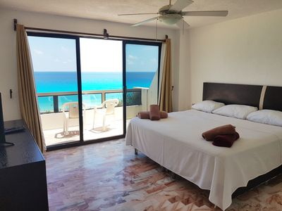 Bedroom 1. King size bed, balcony and ocean view
