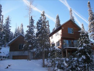 Three story home nestled in beautiful Ski Ranches subdivision.