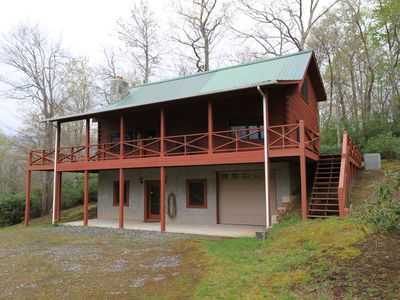 Photo for Cozy log cabin in golf community near Mt. Mitchell and Falls
