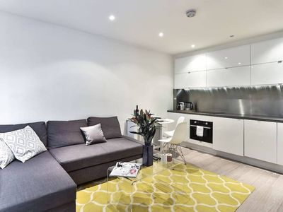 Photo for Apartment in London with Internet, Lift, Washing machine (1027381)