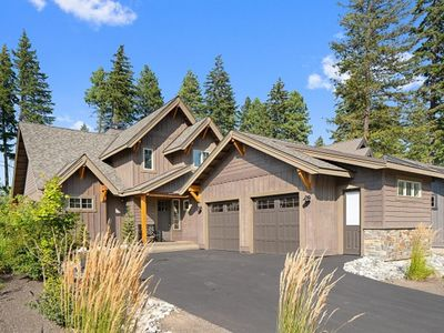 Photo for A True Suncadia Mountain Oasis, Walking Distance to Lodge, Swim & Fit, & Golf!