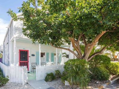 **PUERTA CORALINA @ OLD TOWN** Cottage Near Duval + LAST KEY SERVICE...