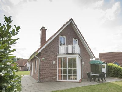 Photo for 8-person dog bungalow in the holiday park Landal Dwergter Sand - on the water/recreation lake