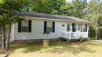 Photo for Unwind at Hilltop Cottage - By Lake Margrethe *Pet Friendly*Game Room*