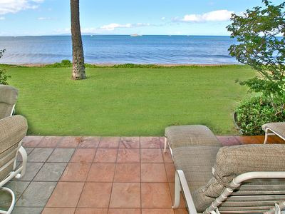 Photo for Fantastic Beachfront Condo, 1BR Ground Floor, 180° View! ~ Maalaea Surf D3