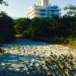 Photo for Wonderful Coverage | From the front to the Sea | Foot in the sand | Indaiá | Bertioga