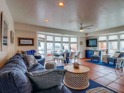 Photo for 3 Bedroom House. Rooftop Deck with Bay Views!
