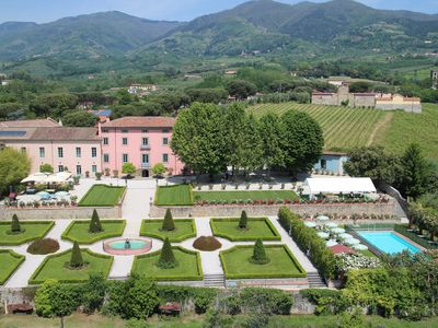 Photo for Private Tuscan estate with pool