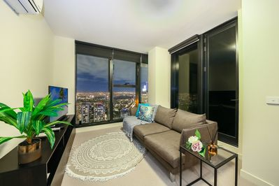 The living area with a magical view of the city.
