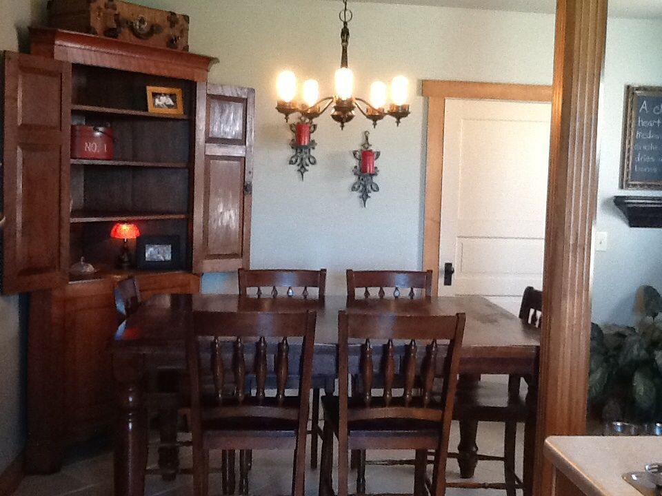 Historic Grand Farmhouse Centrally Located to Columbus, Dayton and Springfield