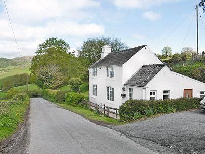 Photo for 3 bedroom property in Ross-On-Wye. Pet friendly.