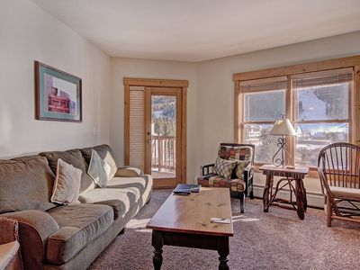 Photo for Spacious 2 bedroom overlooking the Snake River