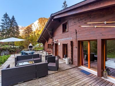 Photo for Little quiet alpine cottage for 6 near Grindelwald w Fireplace, hottub and BBQ
