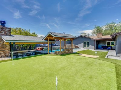 Photo for Beautifully upgraded home w/ Pool, Hot tub, Swim-up bar and Golf