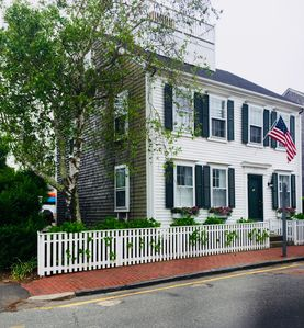 Photo for Gorgeous in-town Property w/Large Patio and all the Amenities! Walk to Main St!
