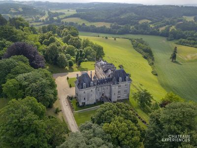 Photo for Splendid 14th century castle with swimming pool in the south-west of France.
