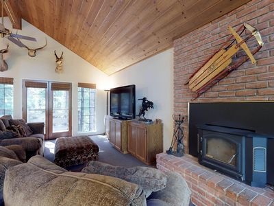 Photo for Cozy, split-level home near Shaver Lake, restaurants, and China Peak Mtn Resort!