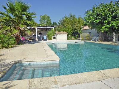 Photo for Beautiful Cottage with Swimming Pool in L'Isle-sur-la-Sorgue