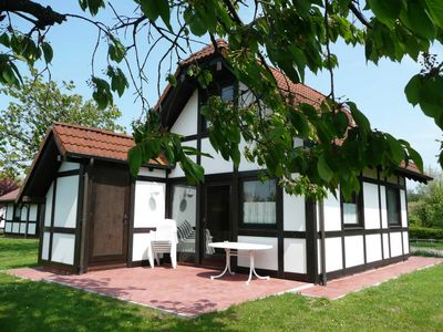 Photo for Holiday home Deichgraf 65 with pet - Holiday home Deichgraf 65 in the holiday village Altes Land