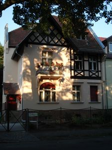 Photo for Charming apartment in Tudor style mansion (only 15 minutes to Prenzlauer Berg)