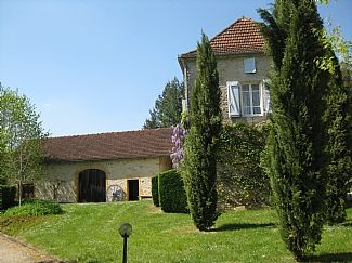 Photo for Traditional Farmhouse w/Pool In Beautiful Setting Near Dordogne & Lot Rivers