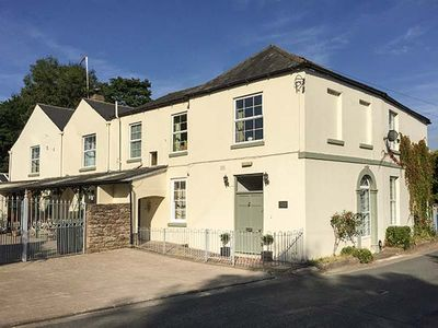 Photo for CEDARS HOUSE, pet friendly in Whitchurch, Herefordshire, Ref 26807