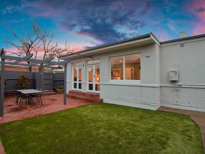 Photo for 3BR Cottage With Parking Close To Adelaide CBD