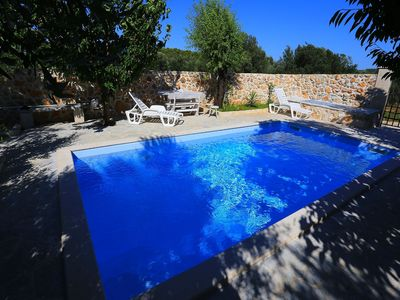 Photo for Authentic island house with beautiful garden, private pool, Jacuzzi, taverne