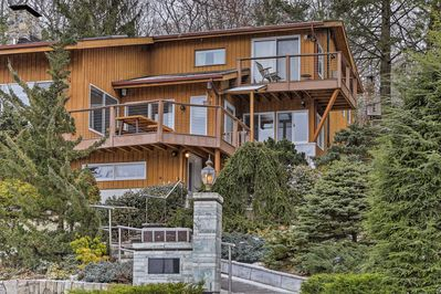 Experience a relaxing retreat on Candlewood Isle at this vacation rental house.