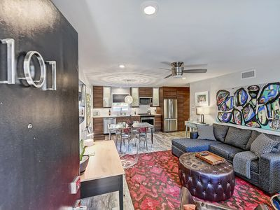 Photo for Stylish Myers Park Apartment with Luxe Bath & Mod Kitchen - 1 Mile from Uptown