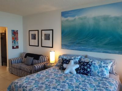 Photo for Beautiful Studio with King Bed, Large Balcony and Amazing Views of the River