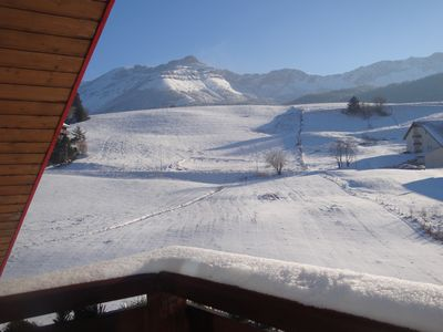 Photo for 6 to 7 sleeps, spacious with central fireplace, wooden top of the chalet.